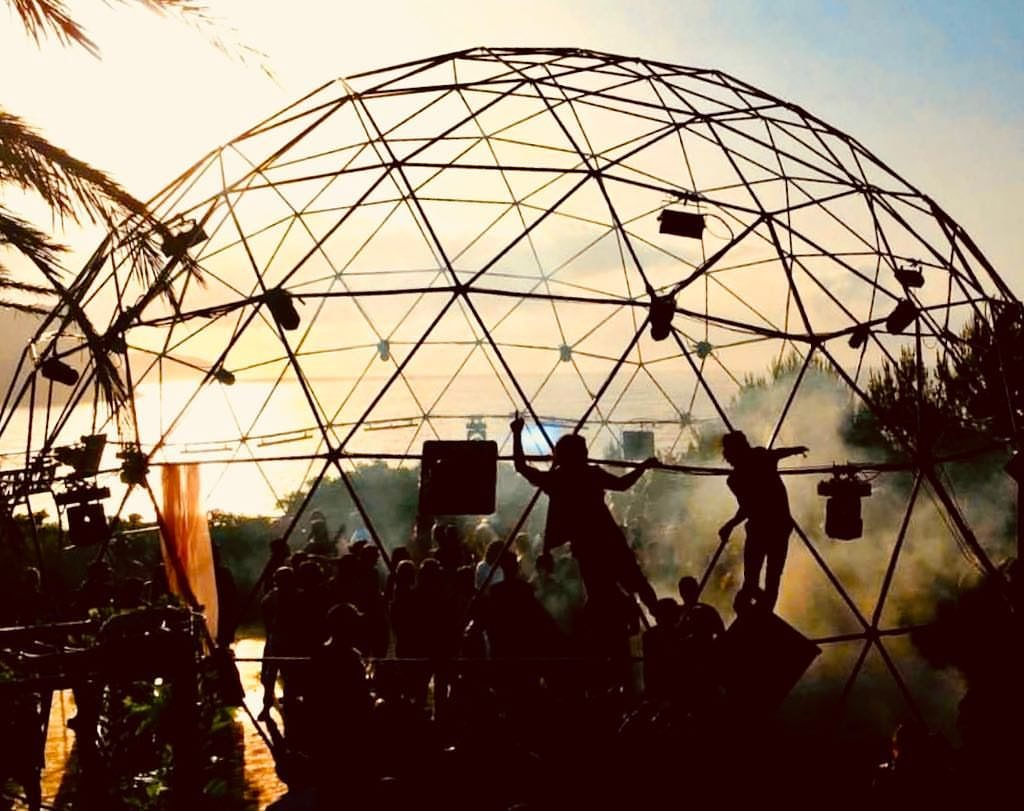 Stalowa konstrukcja namiotu