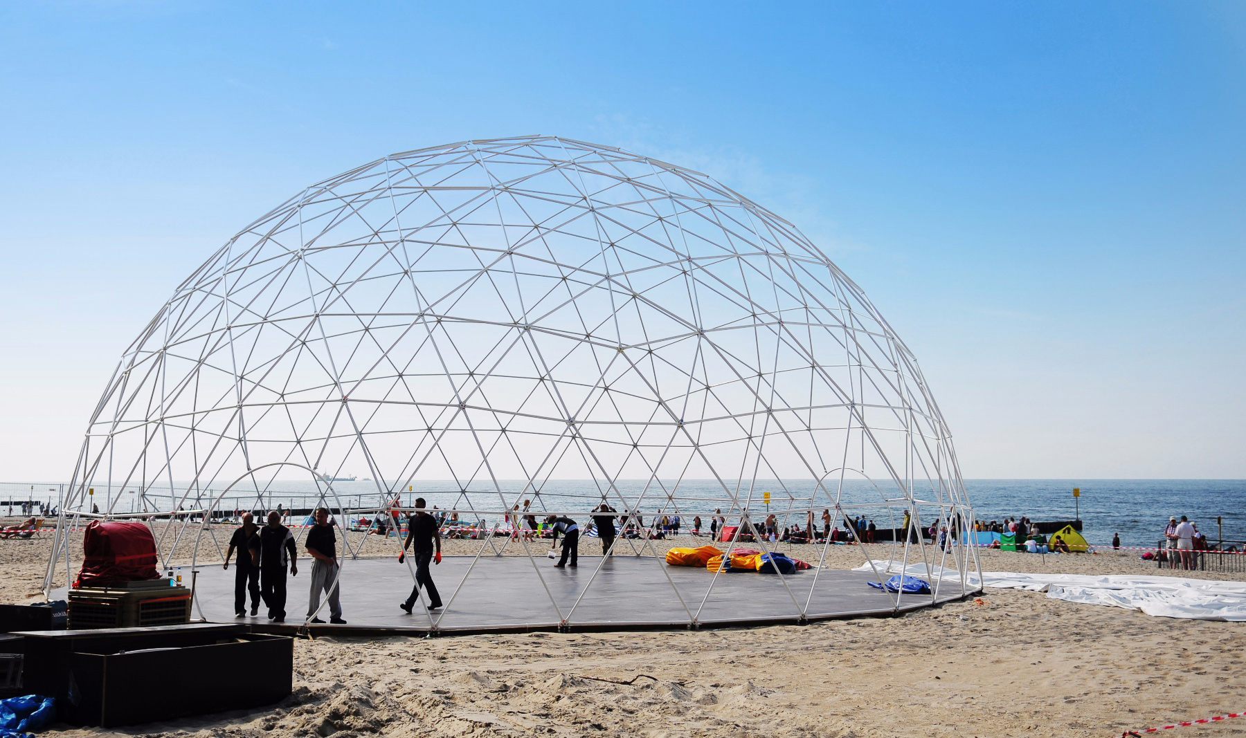 polidome-dome-structure - Polidomes – geodesic tents