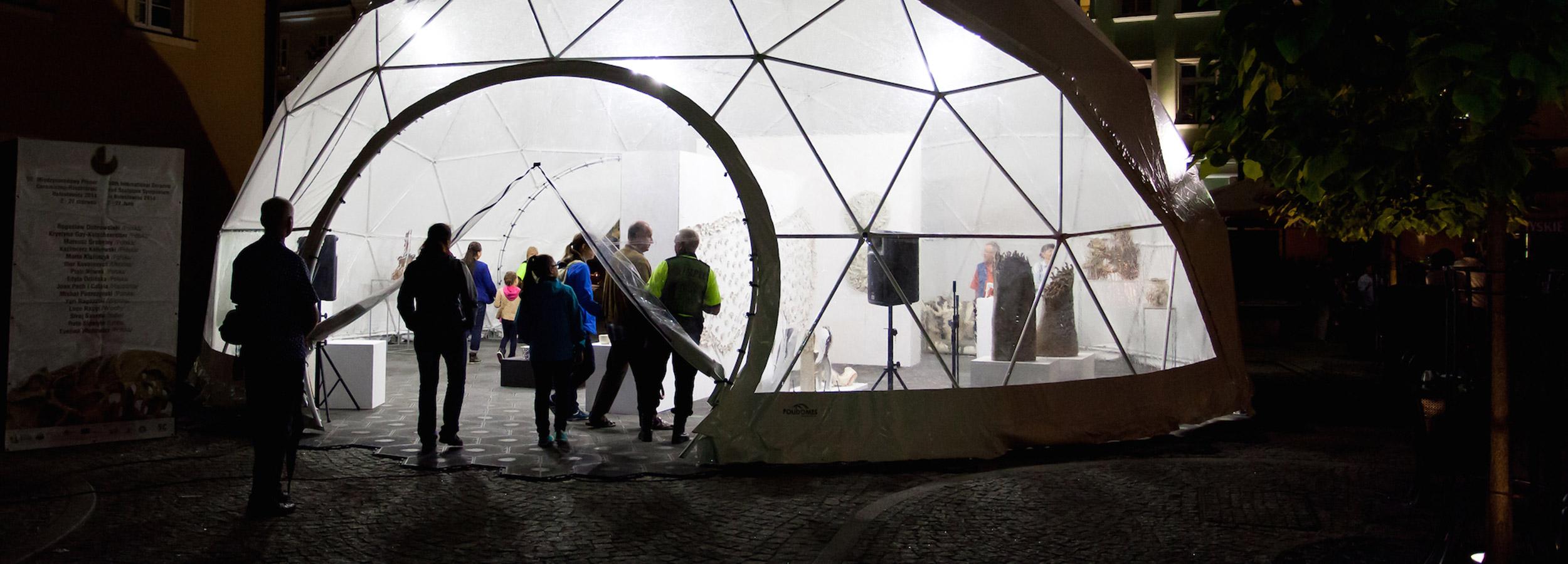Namiot przezroczysty