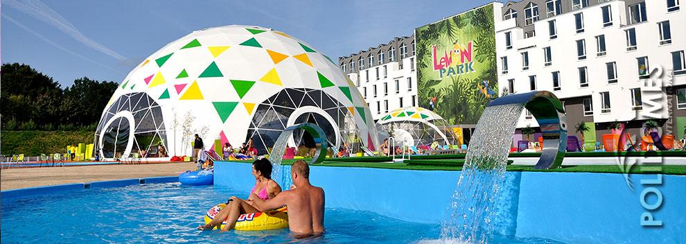 theme-park-tent